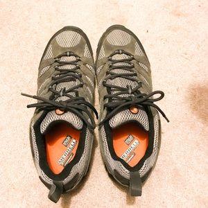 LIKE NEW Merrell Men's hiking shoes